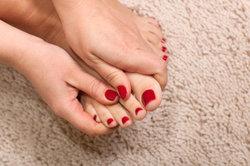 Feste Fußnägel dank guter Pflege