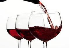 Optisch lassen sich alkoholfreier und normaler Wein nicht unterscheiden.