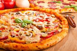 Pizza ohne Mehl ist schnell zubereitet.