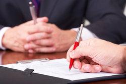Die Mindestinhalte des Ausbildungsvertrags sind vorgeschrieben.