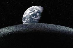 Die Erde umgibt ein Magnetfeld.