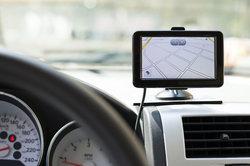 Navigationssysteme erleichtern das Autofahren.