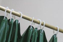 Für die Montage eines Duschvorhangs muss nicht zwingend gebohrt werden.