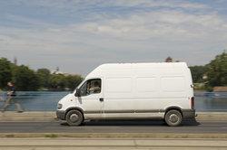 Die Ford-Transit-Serie wird häufig als Lieferfahrzeug genutzt.