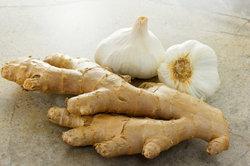 Ingwer und Knoblauch haben viele gesundheitsfördernde Eigenschaften.