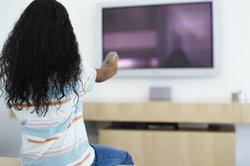 Für den Empfang der TV-Sender benötigen Sie die richtigen Frequenzen und Empfangsgeräte.