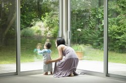 Es gibt viele Gründe, warum Sie eine Fensterscheibe austauschen lassen müssen.