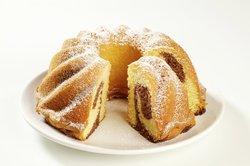 Der Marmorkuchen ist ein sehr beliebter Rührkuchen.