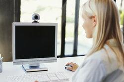 Bildschirm ablesen - in der richtigen Sprache kein Problem