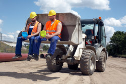 Eine der Berufsgenossenschaften ist die BG Bau.