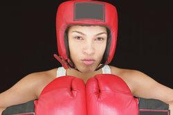 Box-Weltmeister bekommen einen Boxgürtel.