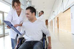 Bei dauerhaften körperlichen Leiden wird Schwerbehinderung zuerkannt.