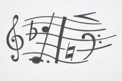 Regelmäßiges Üben ist in der Notenlehre unverzichtbar.