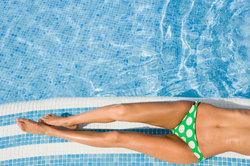 Gesund braun werden geht auch unter Wasser.