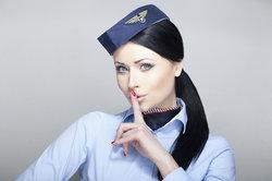 An Karneval können Sie sich zum Beispiel als Stewardess verkleiden.