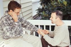 Auch gleichgeschlechtliche Paare können in Partnerschaften leben.
