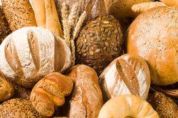 Brot und Brötchen kann man mit Weinstein backen.