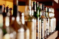 Alkohole haben einen vergleichsweise hohen Siedepunkt.