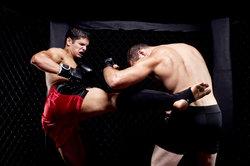 MMA ist ein harter Sport, der viel Übung erfordert.