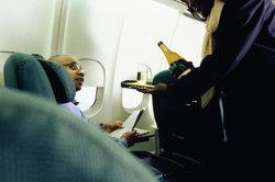 Stewardess bei der Lufthansa - Qualifizierung durch Lehrgänge