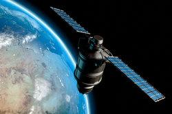 Per Satellit wird der GPS-Tracker geortet.