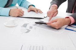 Für kirchliche Arbeitnehmer gelten spezielle Arbeitsvertragsrichtlinien.