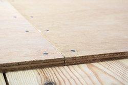 Beim Sperrholz ist die Verleimung wichtig.
