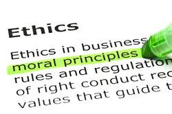 Was bedeutet ethisch - das steht in allen Lexika.