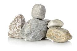 Steine können Sie auch miteinander verkleben.