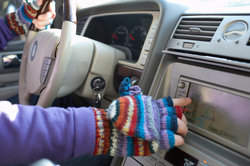 Das Radio hat ein Navigationssystem integriert.