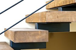 Sich an das schwierige Projekt Treppenbau wagen