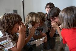 Nicht nur Kinder haben Spaß an lustigen Telefonstreichen.