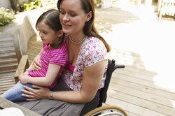 Ein Schwerbehindertenausweis kann für diverse Rabatte sorgen.