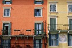 Ein Hochbeet passt auch auf einen kleinen Balkon.