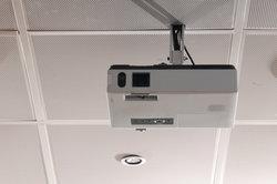 Moderne Beamer bieten einen Wireless-LAN-Anschluss.