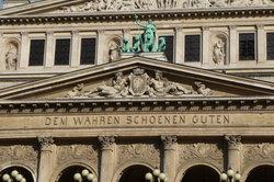 Goethes Faust begibt sich auf die Suche nach den Idealen der Deutschen Klassik