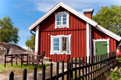 Von einem Ferienhaus in Schweden träumen viele Deutsche.