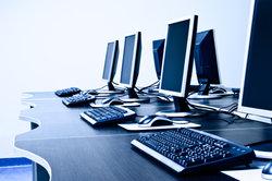 Für Netzwerk und Internet sind auch entsprechende Treiber notwendig.