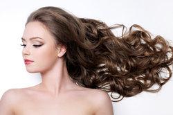 Lange Haare benötigen besondere Pflege.