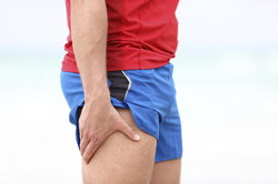 Schmerzen beim Laufen können unterschiedliche Ursachen haben.