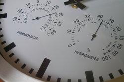 Mit dem Hygrometer Luftfeuchtigkeit regelmäßig überprüfen