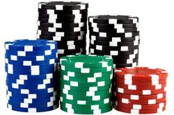 Eine Runde Strip-Poker kann neuen Schwung in eine Partnerschaft bringen.