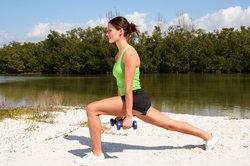 Ein 90°-Winkel im vorderen Bein ist bei Lunges ideal.