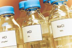 Salzsäure hat die chemische Formel HCl.