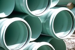 PVC gehört zu den wichtigsten Werkstoffen und wird weltweit produziert.