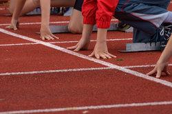 Die Bundesjugendspiele finden einmal im Jahr an allen deutschen Schulen statt.