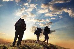 Passionierte Wanderer legen Wert auf hochwertige Bekleidung.