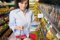 Beim Einkaufen nimmt man an der sozialen Martkwirtschaft teil.