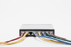 Für ein Netzwerk benötigen Sie die entsprechende Hard- und Software.