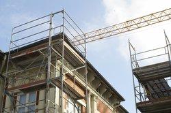 Eine Wohnungsanierung kann zu Mieterhöhungen führen.
